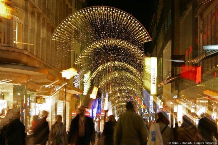 Weihnachtsbeleuchtung Forum.Lichtbogen Weihnachtsbeleuchtung In Essen Galerie Deutsch